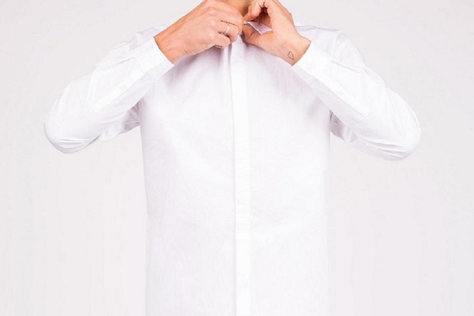 【白シャツの選び方】メンズコーディネート・着こなしにおすすめ!